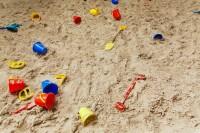 Sandkasten mit Sand